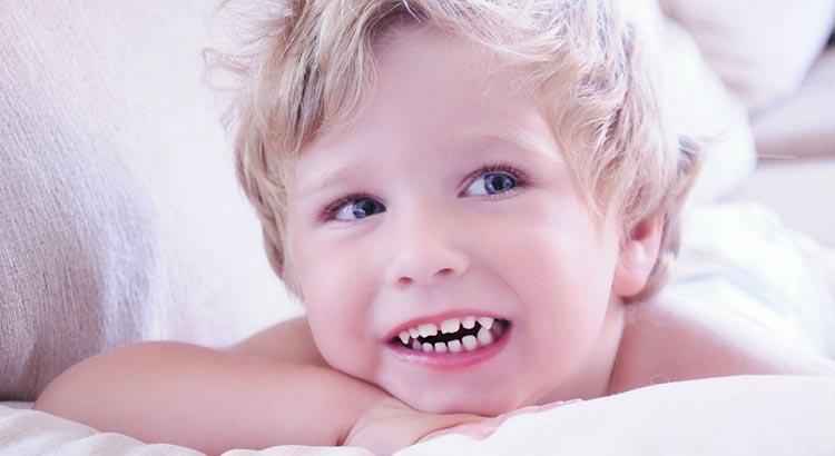 в каком возрасте у детей растут первые (21 и 22) коренные зубы №3