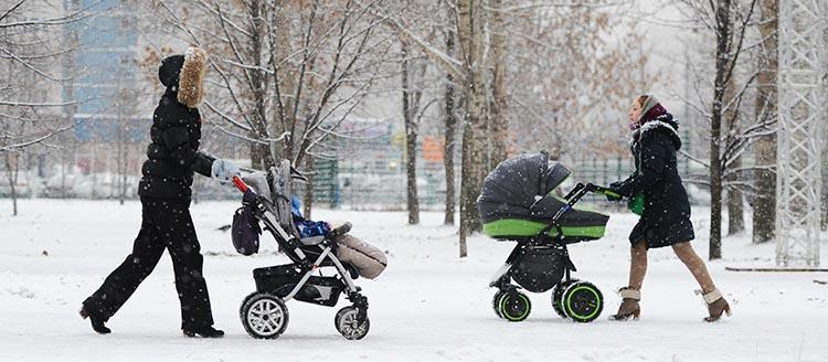 какую выбрать коляску для зимнего ребенка