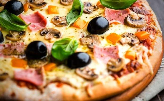 Ингредиенты для итальянской пиццы на тонком тесте
