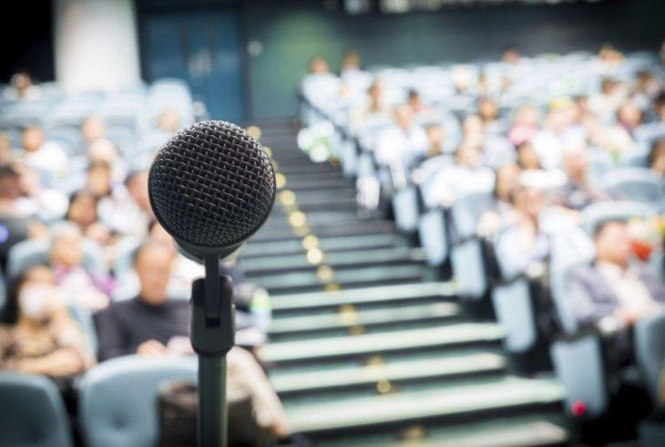 Для того чтобы овладеть ораторским мастерством нужно