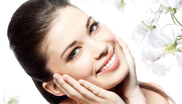 Как проводится уход за кожей лица вокруг глаз?